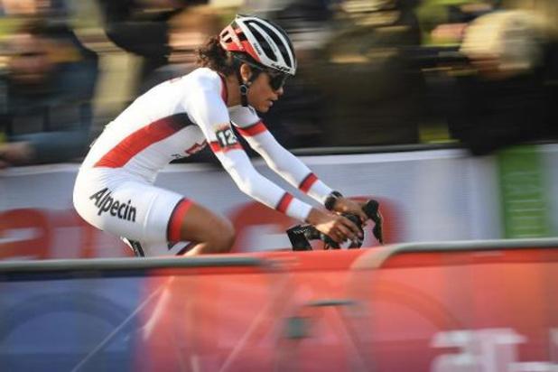 Alvarado sprint naar goud in Zwitserland op WK veldrijden