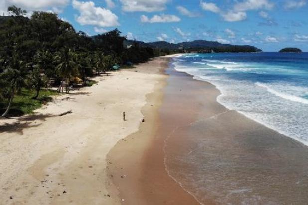Thailand laat weer buitenlandse toeristen toe op Phuket