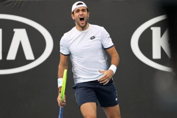 Ultimate Tennis Showdown - Matteo Berrettini verslaat Stefanos Tsitsipas in finale