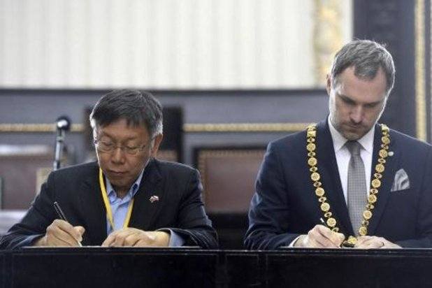 Praagse burgemeester helpt als vrijwilliger in ziekenhuis