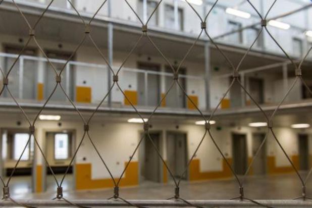 Report de certaines peines de prison