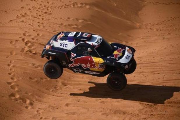 Sainz enlève la 6e étape du Dakar, Peterhansel reste leader