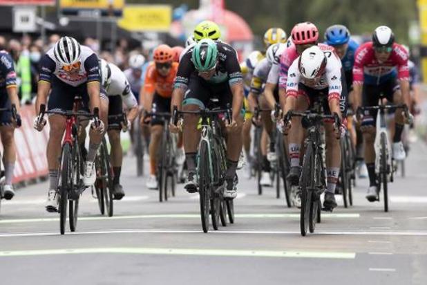 Peloton likt zijn wonden na de eerste etappe