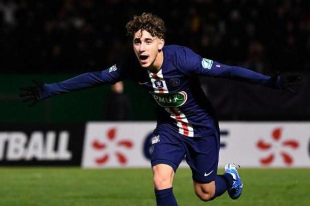 Adil Aouchiche, grand talent du football français, rejoint l'AS Saint-Etienne
