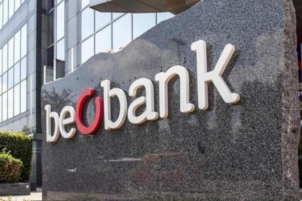 Vakbonden betogen aan hoofdzetel Beobank voor sluiting van kantoren