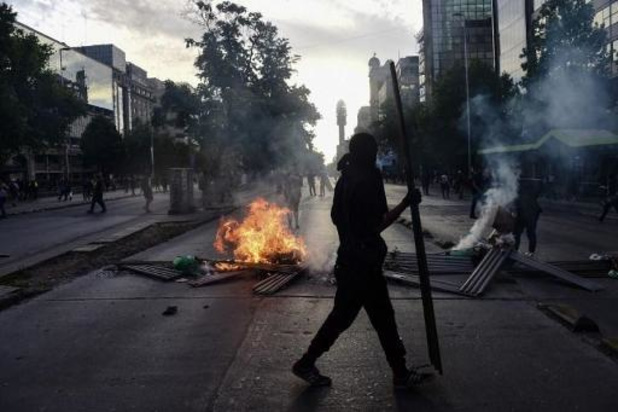 Chili: séisme de magnitude 6, ressenti en pleine manifestation à Santiago