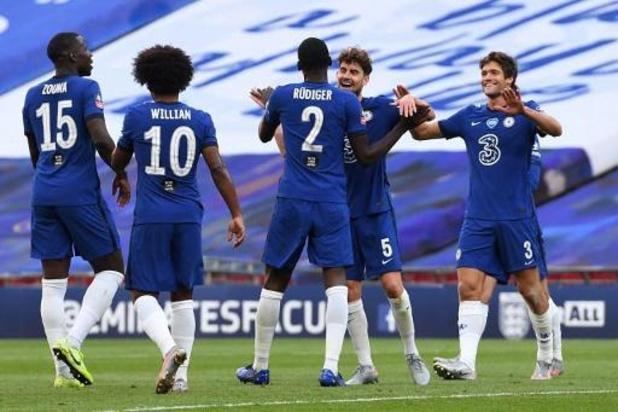 Couple d'Angleterre - Chelsea se joue de Manchester United et rejoint Arsenal en finale