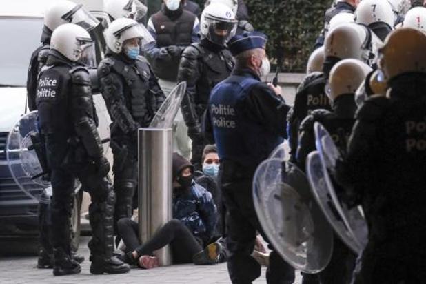 Collectieve klacht tegen politieoptreden in Brussel na manifestatie van 24 januari