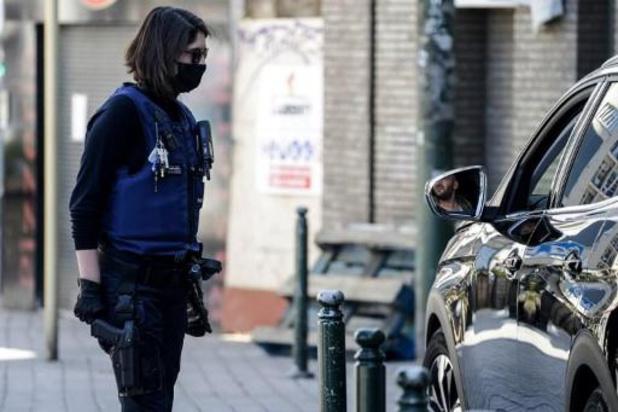 Expertengroep beveelt in sommige situaties stoffen mondmaskers aan bij afbouw lockdown