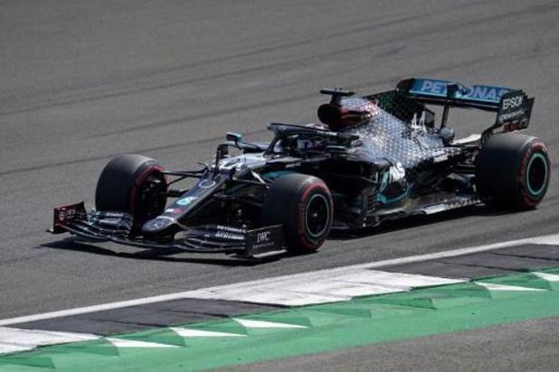 Hamilton is de snelste tijdens derde vrije oefenritten F1 - GP van Groot-Brittannië
