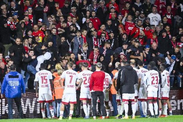 Supporters die wedstrijd tussen Mechelen en Standard verstoorden worden geverbaliseerd