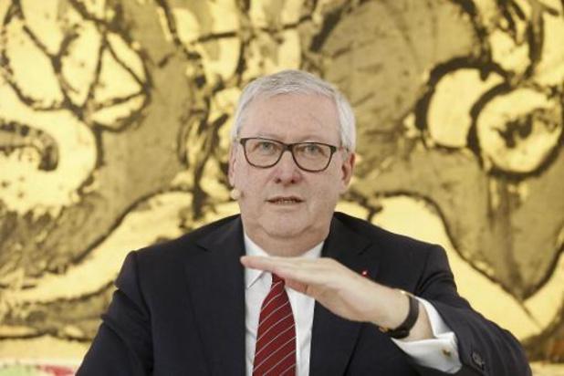 Clijsters wil toch langer Belfius-voorzitter blijven