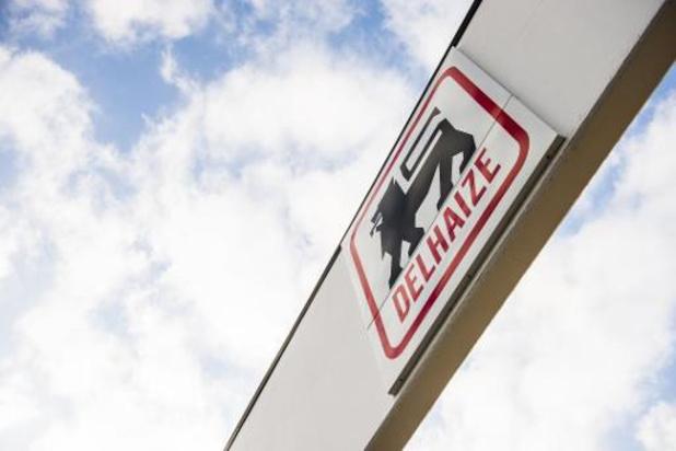 Delhaize stopt afhaaldienst en promoties om meer personeel in winkels in te zetten