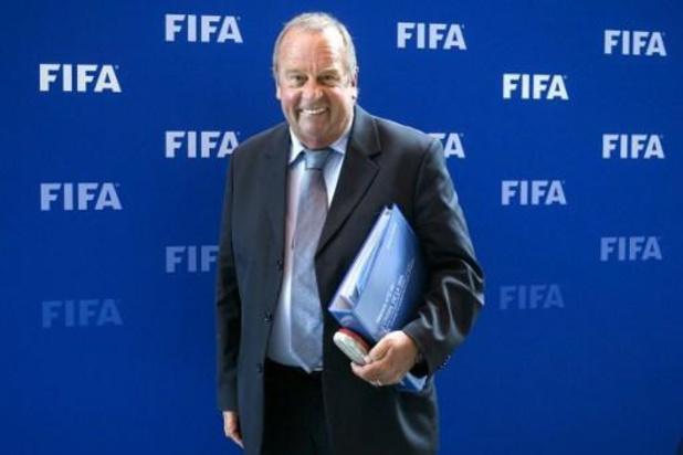 Le comité médical de l'UEFA assure qu'une reprise est possible, Michel D'Hooghe sceptique
