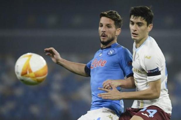Mertens leidt Napoli met assist voorbij Sampdoria naar derde plek