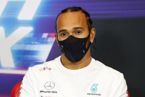 Lewis Hamilton mist GP van Sakhir na positieve coronatest