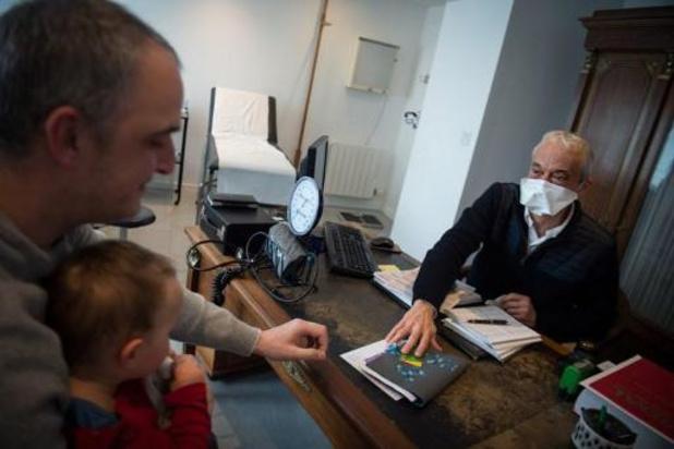 BVAS roept patiënten met algemene vragen op om zich tot Sciensano-platforms te wenden