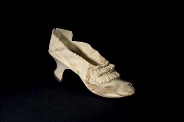 Schoen van Marie-Antoinette in trek op veiling