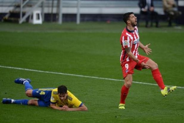 Belgen in het buitenland - Leider Atlético Madrid laat in Cadiz geen punten liggen