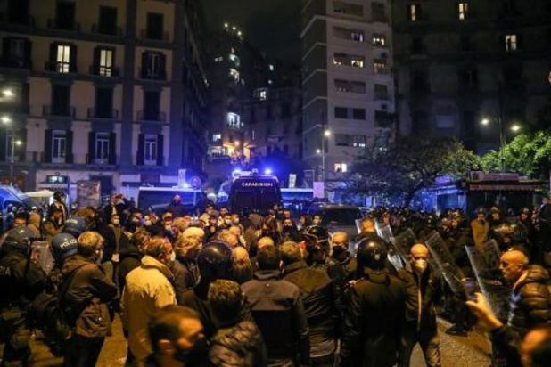 Twee arrestaties na nachtelijke protesten tegen coronamaatregelen in Napels