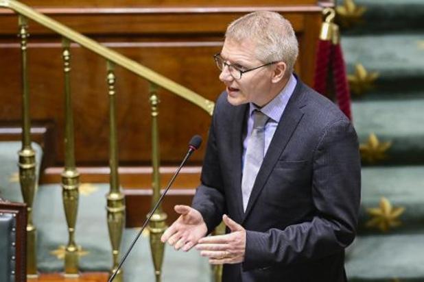 Minister Gilkinet verlengt voorlopige rijbewijzen tot 30 september 2021