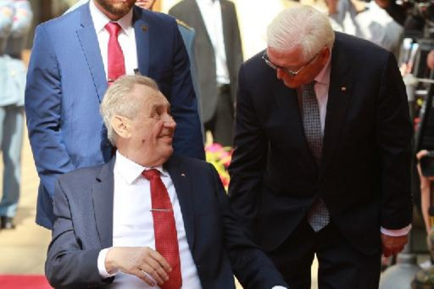Tsjechische president daags na verkiezingen opgenomen in ziekenhuis