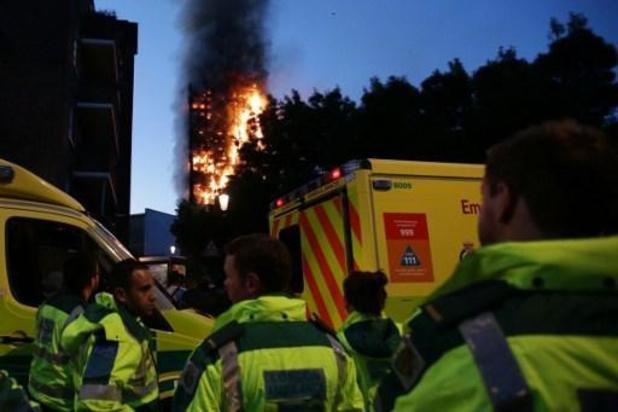 Brandweer van Londen ligt onder vuur voor aanpak brand in Grenfell Tower