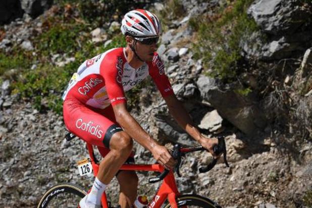 Anthony Perez geeft op na val in de Tour, Fransman heeft sleutelbeen gebroken