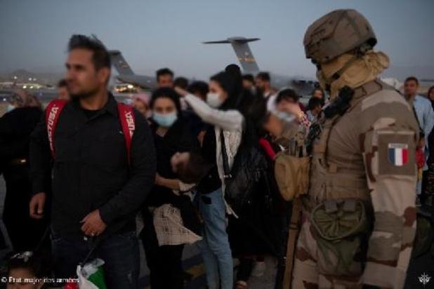 """Afghanistan: la France pourrait continuer ses évacuations """"au-delà"""" de vendredi"""