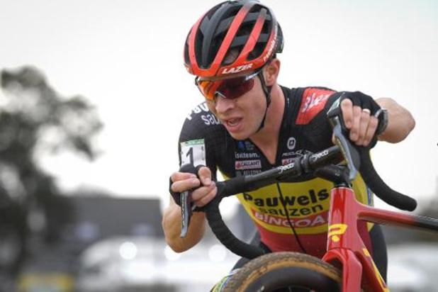 Belgisch kampioen Laurens Sweeck wint Jaarmarktcross