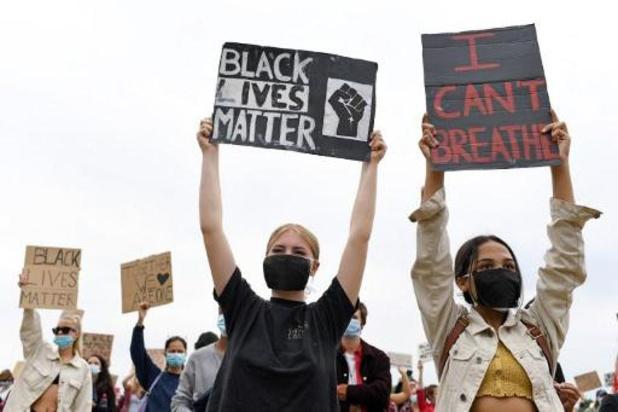 Duizenden betogers verzamelen in Londense Hyde Park tegen racisme