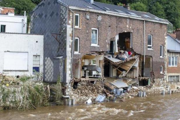 Verzekeraars beloven snelle actie om schade watersnood te vergoeden