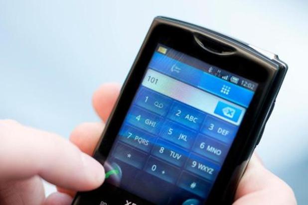 ACV hekelt tekort aan telefonisten bij noodcentrales in Antwerpen en Brussel