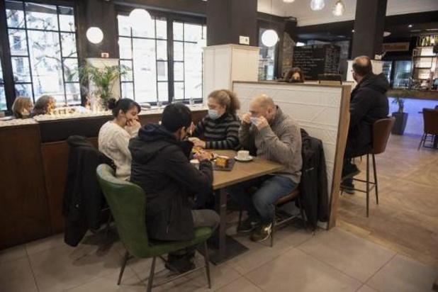 Les Néerlandais bientôt au bureau ou au restaurant grâce à un test rapide négatif ?