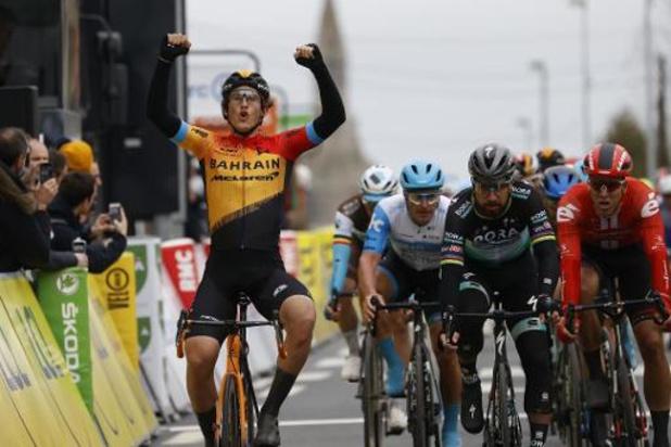 Ivan Garcia Cortina remporte la troisième étape dans un final marqué par des chutes