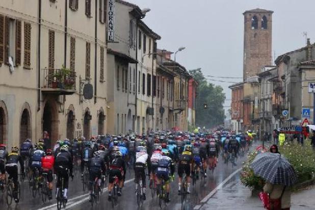 Tour d'Italie: tests Covid-19 négatifs pour l'ensemble du peloton