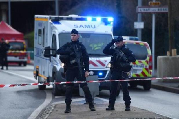 """France: l'assaillant a perpétré son attaque au couteau aux cris """"d'Allah Akbar"""""""