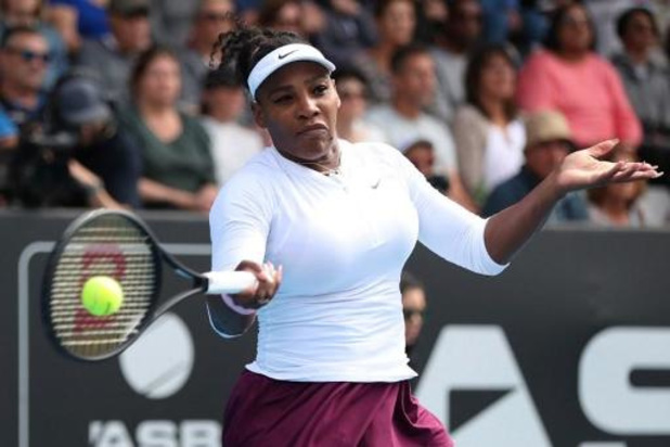 Serena Williams expéditive à Auckland pour son retour