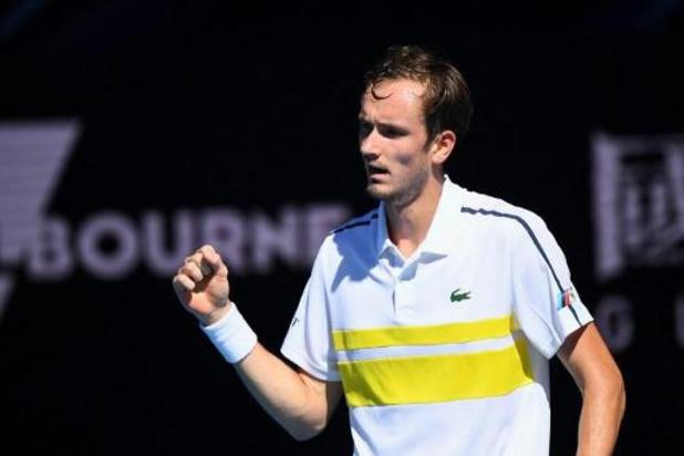 Daniil Medvedev se qualifie pour les demi-finales en attendant Nadal ou Tsitsipas