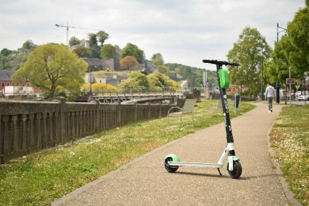 Un premier cadre légal pour les trottinettes électriques en flotte libre voté en Wallonie