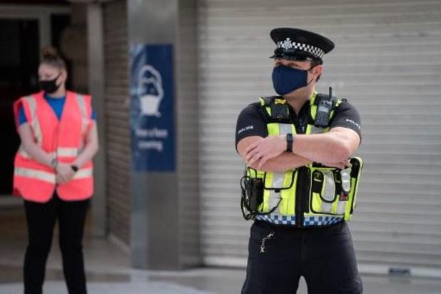 Vijftien politieagenten gewond bij clash met feestvierders in Londen