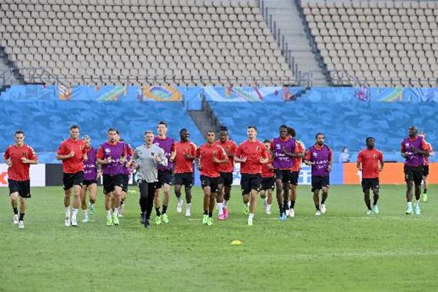 Euro 2020 - Vingt-quatre Diables sur la pelouse critiquée du stade La Cartuja, Chadli absent