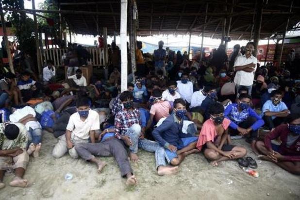 Près de 300 réfugiés rohingyas débarquent en Indonésie