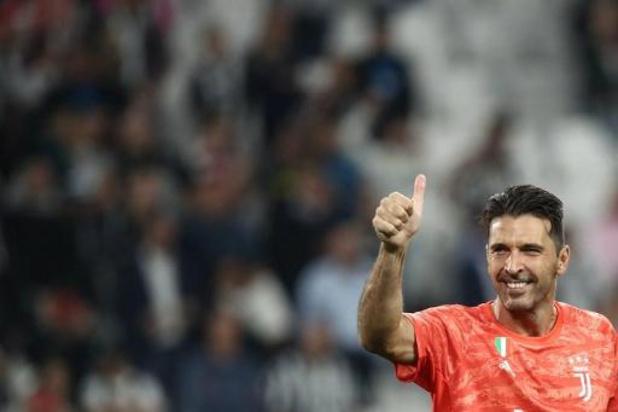 Serie A - Gianluigi Buffon devient le joueur italien avec le plus d'apparitions en club