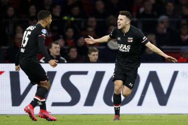Eredivisie - L'AZ s'impose sur le terrain de l'Ajax et relance la course au titre