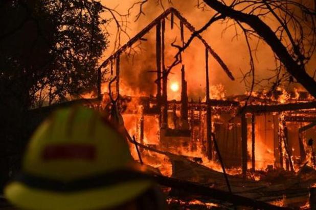 Bosbranden Californië - Al meer dan 12.000 hectare verwoest, 180.000 mensen moeten huizen verlaten