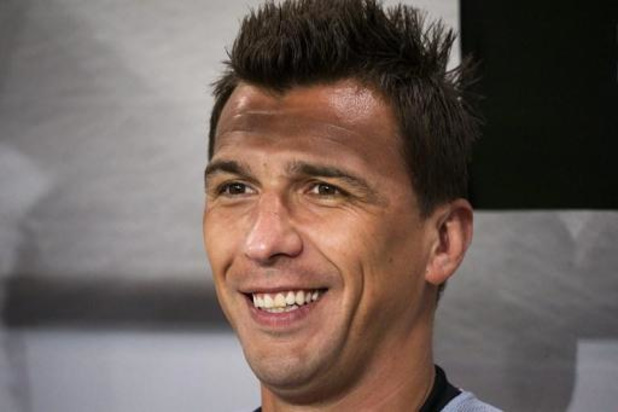 Le Croate Mario Mandzukic (Juventus) rebondit au Qatar
