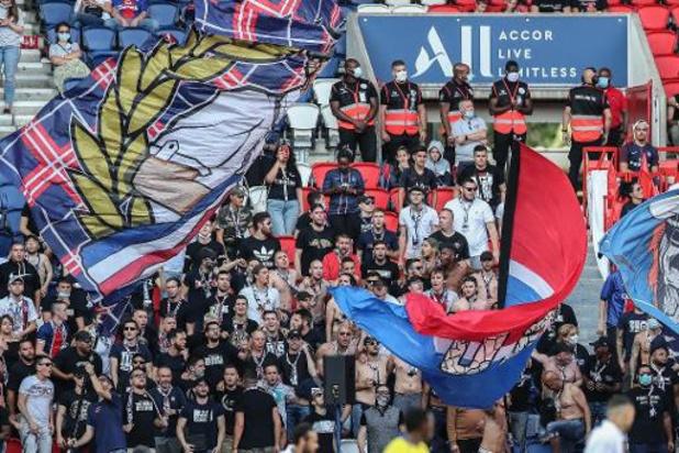 Coronavirus - La Ligue de rugby et les ligues sportives critiquent le public de PSG/Waasland-Beveren