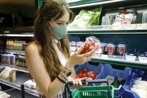 Les chaînes de supermarchés appellent les clients à faire leurs courses seuls
