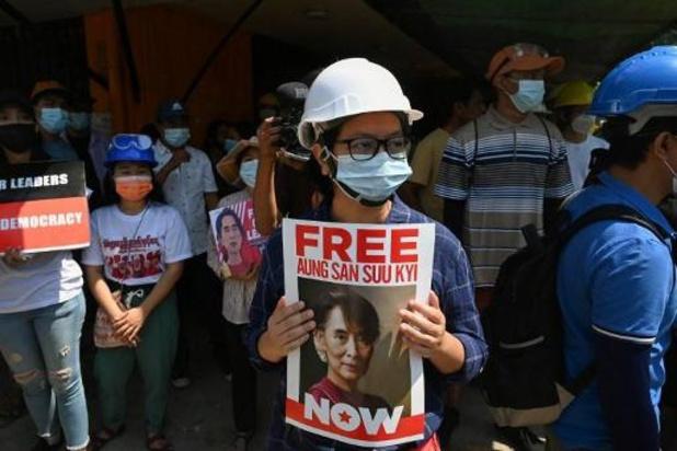 La junte birmane accuse Aung San Suu Kyi d'avoir accepté des pots-de-vin
